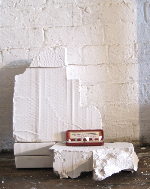 mini installation, installation, sculpture, plaster, found object